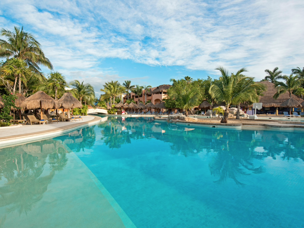 Iberostar Paraiso Lindo (also valid for Staff's Family & Friends even if the Staff member is not travelling!)
